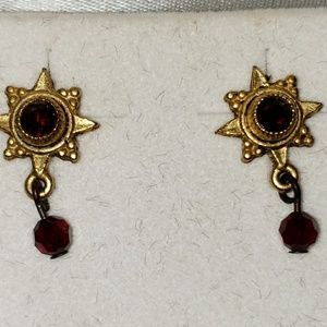 Jewelry - Goldtone with red stone eartings